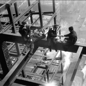 Posters Reprodukce Workers eating lunch atop beam 1925