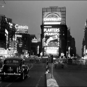 Posters Reprodukce PHILIP GENDREAU - New York - Times Square illuminated by large neon advertising signs