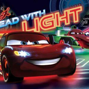 Posters Fototapeta Disney Cars Lightning McQueen Bernoulli 152.5x104 cm - 130g/m2 Vlies Non-Woven - Posters