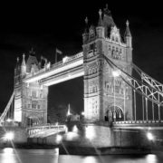 Posters Fototapeta London Tower Bridge 152.5x104 cm - 130g/m2 Vlies Non-Woven - Posters